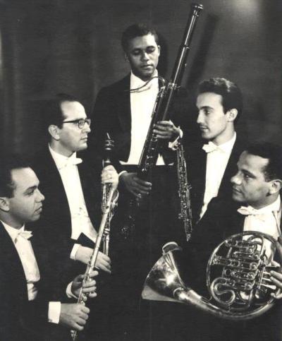 Quinteto Villa Lobos, Airton ao centro