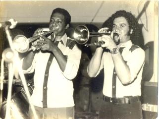 Brandão à direita - Carnaval no Clube Fênix Alagoana-1975