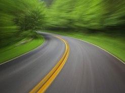 Catálogo estrada curva e velocidade